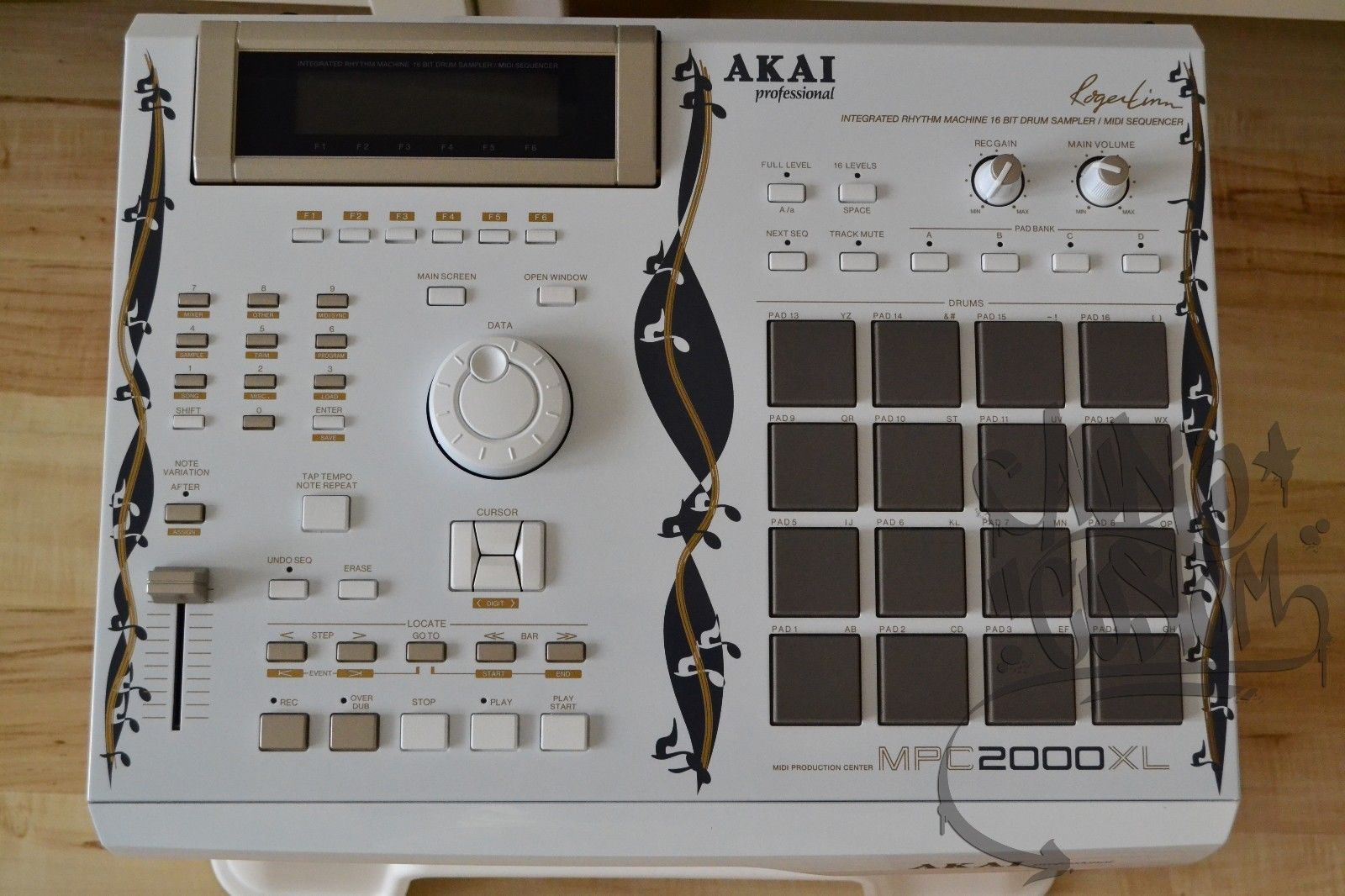 AKAI MPC 2000XL INTERNAL CHASSIS