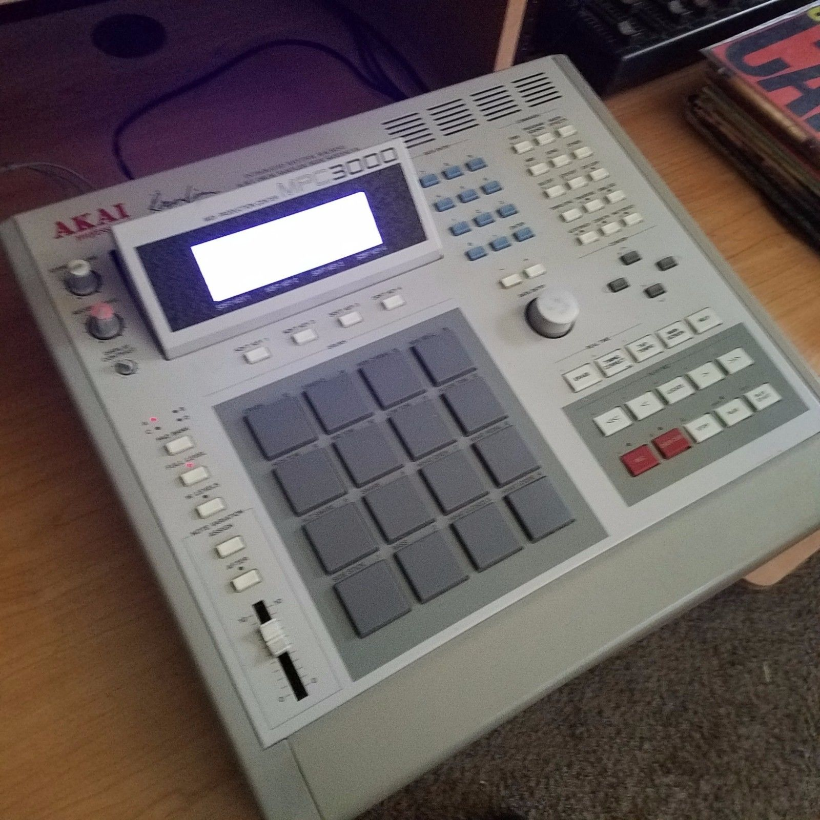 MPCHunter » Blog Archive » Akai MPC 3000