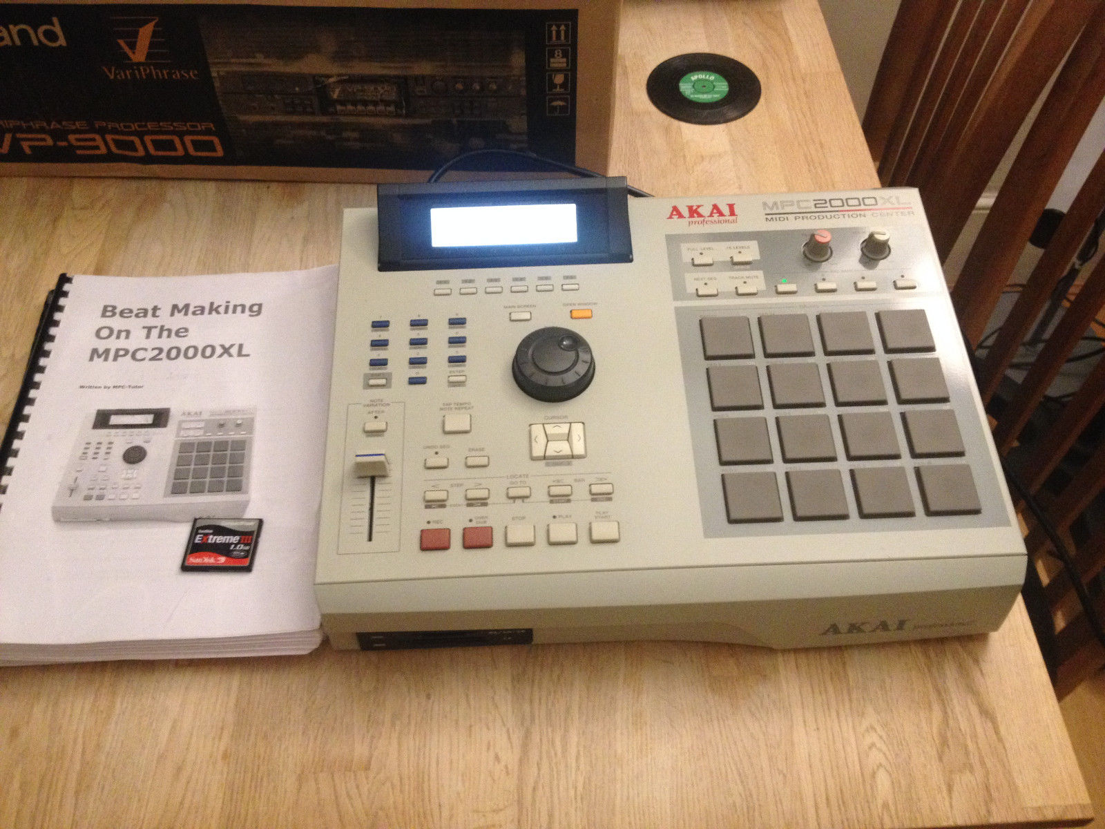 MPCHunter » Blog Archive » Akai MPC 2000XL with 32MB RAM, 8-outs