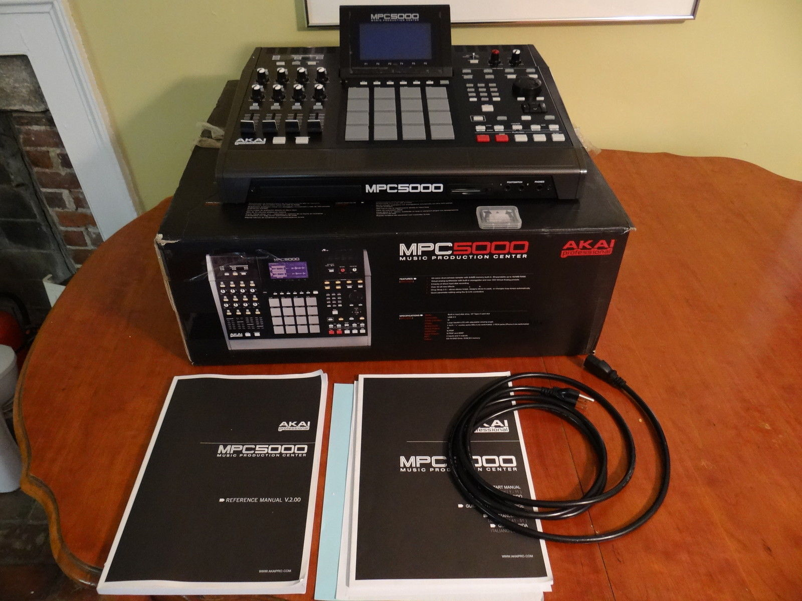 """""""Akai MPC 5000 sampler (stock mint shape) standard memory, no cd upgrade.  This has been well taken care of and has absolutely no problems, ..."""