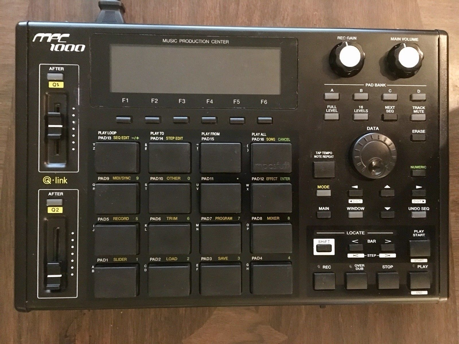 MPCHunter » Blog Archive » Akai MPC 1000 with 128MB RAM