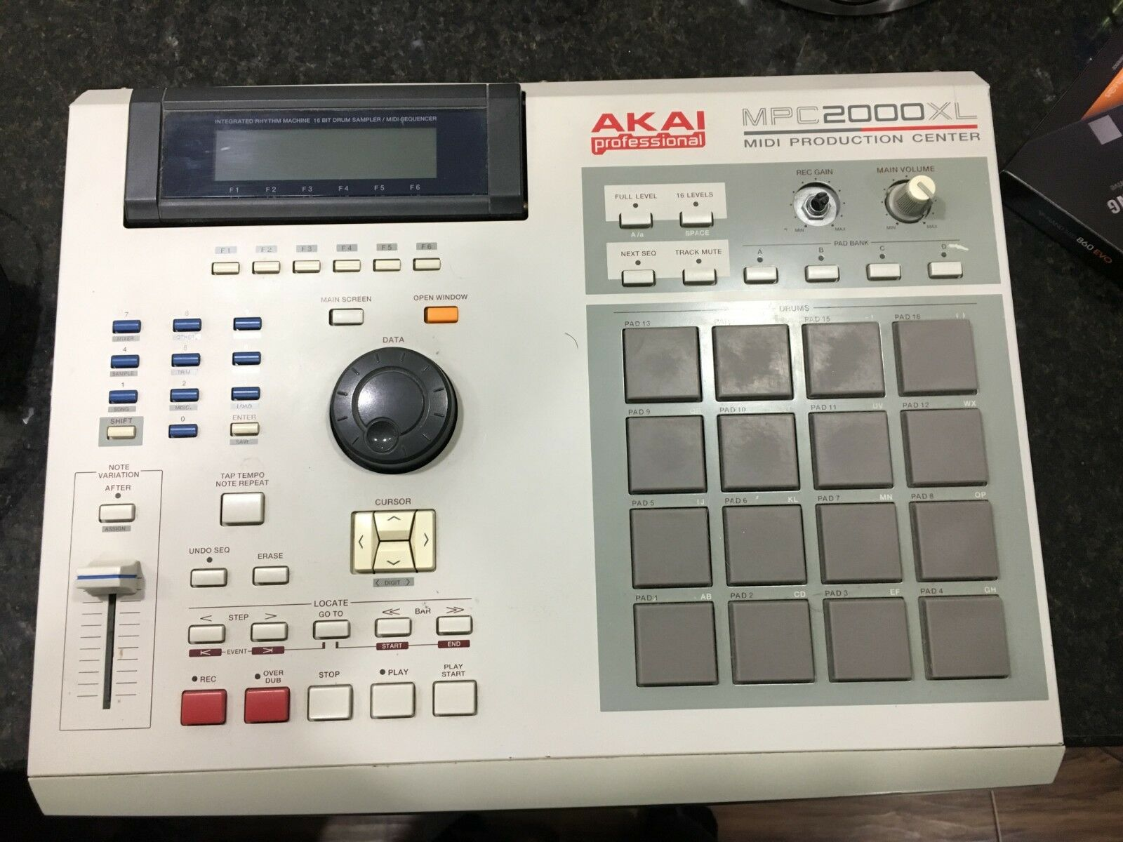 MPCHunter » Blog Archive » Akai MPC 2000XL with Internal Zip Drive